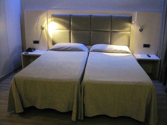 Hotel Barcelona House : Habitación