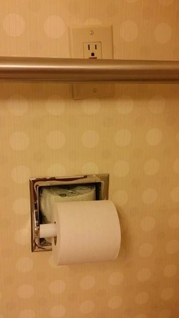 DoubleTree by Hilton Hotel Denver - Stapleton North: Really? Good thing the outlet doesn't work anyway.