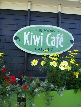 The Kiwi Cafe: The Kiwi Café