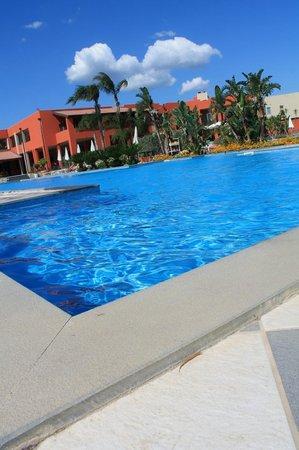VOI Baia di Tindari Resort : Piscina