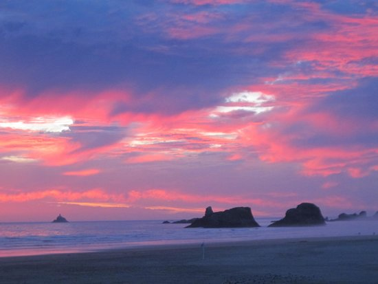 Land's End at Cannon Beach: stellar sunset view from our room