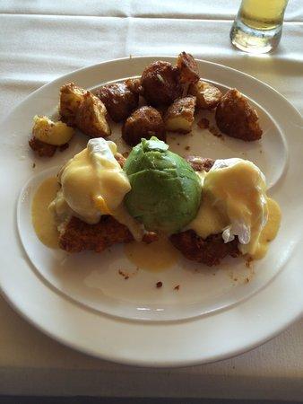 Cafe Gibraltar: Crab Cake Benedict with Fresh Avacado