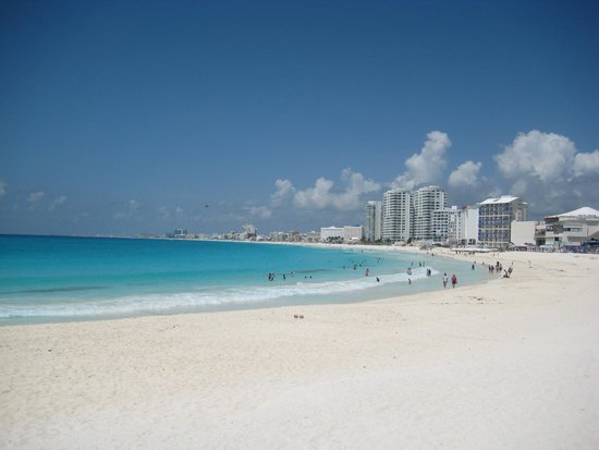 Krystal Grand Punta Cancun: Great beach!