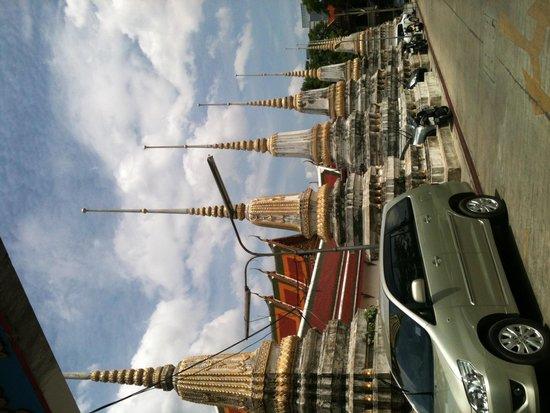 Loy La Long Hotel: grand entrance!!
