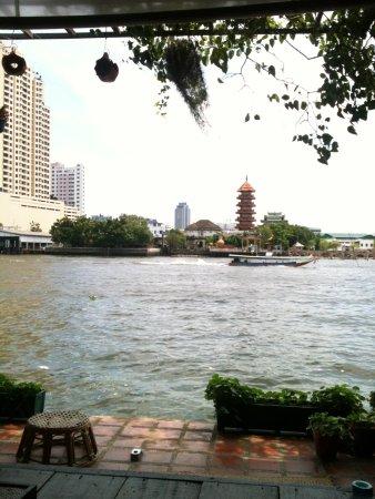 Loy La Long Hotel: the Chao Phraya River