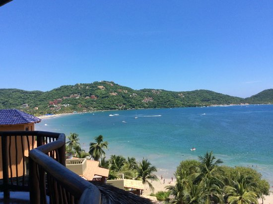 Embarc Zihuatanejo: View from our balcony