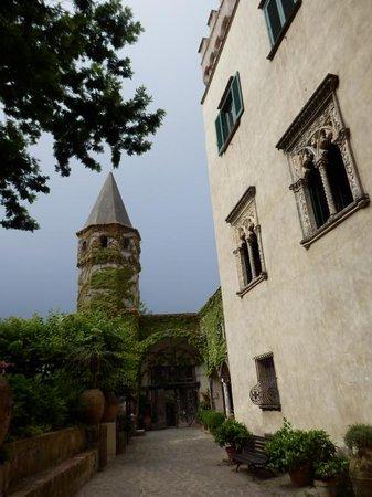 Villa Cimbrone Gardens: Gate house