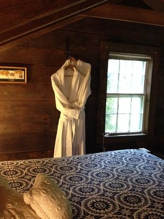 Inn at Brandywine Falls: The Loft Suite. Cuddle robes ready.