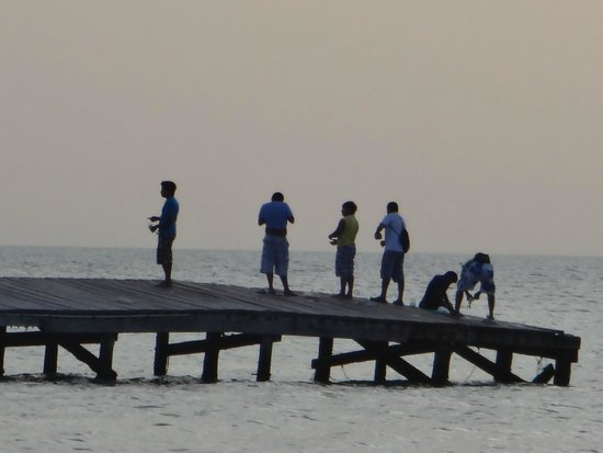 Raices Beach Club and Marina: Fishing of the main pier