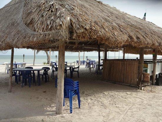 Raices Beach Club and Marina: Raices: the morning after!