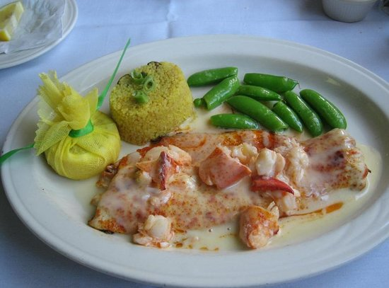 The Grey Gables Inn Restaurant: John Cross Lake Michigan whitefish with Maine lobster