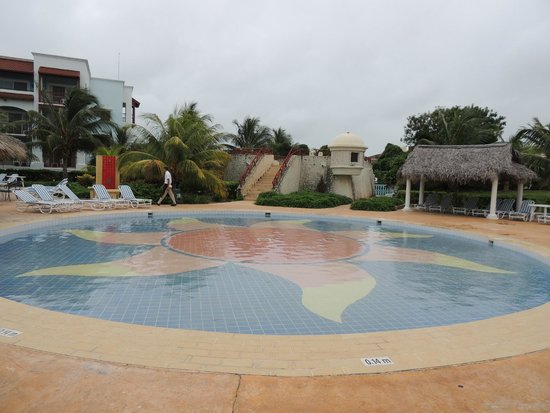 Memories Paraiso Beach Resort : pool