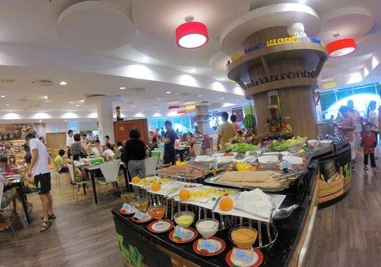 Legoland Malaysia Resort: Breakfast at Legoland Hotel