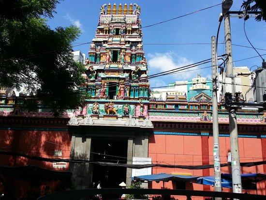 Mariamman Hindu Temple: Temple