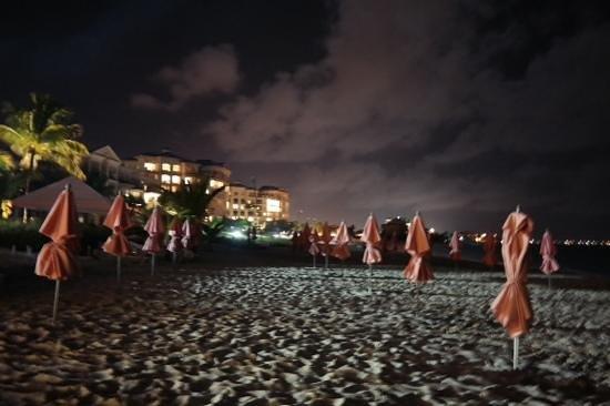Ocean Club West: playa  Grace Bay
