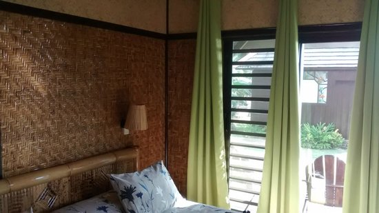 Hotel Kaveka: Inside of the good bungalow