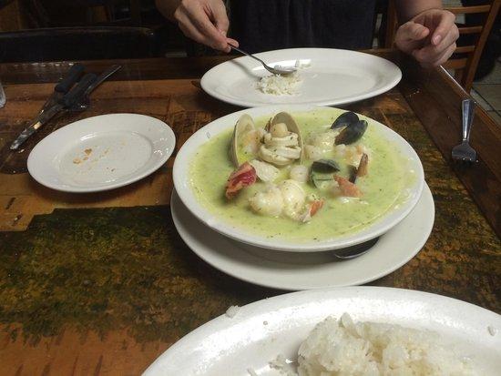 Puerto Sagua : Cazuela verde (crema provenzal). Tiene hasta langosta!!