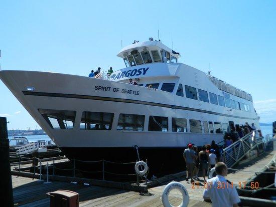 Seattle Harbor Cruise Tour