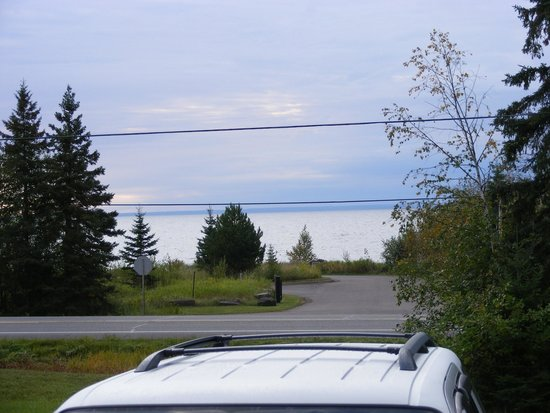 Flood Bay Motel: 2010, view from our room across Hwy 61-looking at Lake Superior! What a view!!!