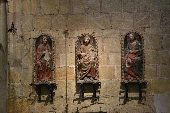 Basilica de San Vicente : Detalhes no interior