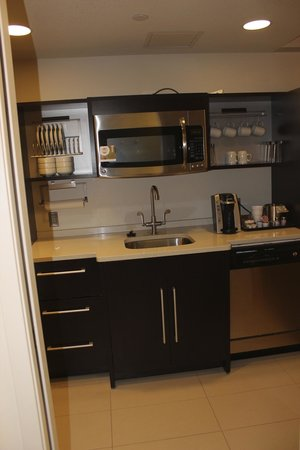 Home2 Suites by Hilton Philadelphia - Convention Center, PA : Kitchenette