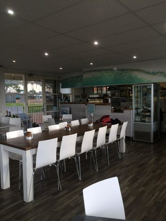Gerringong SeaVista cafe: inside Sea Vista Cafe