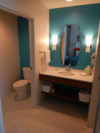 Universal's Cabana Bay Beach Resort: Toilet