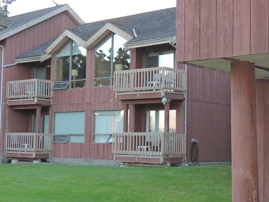 Tsa-Kwa-Luten Lodge: vue sur les chambres