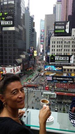 Novotel New York Times Square: Vue sur Times Square depuis la terrasse de l'hôtel
