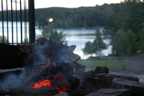 Hidden Valley Resort: Outdoor Campfire