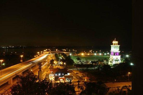 Thistle Johor Bahru: Pemandangan dari dalam kamar