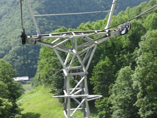 Pipestem Resort State Park: View of the lower wheelhouse during the ride down the gondola.