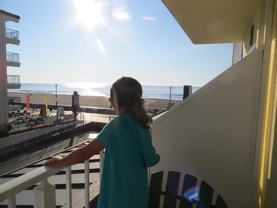 Howard Johnson Plaza Hotel - Ocean City Oceanfront: View from our Second Floor Room