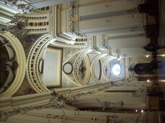 Basílica de Nuestra Señora del Pilar: Basilica Inside