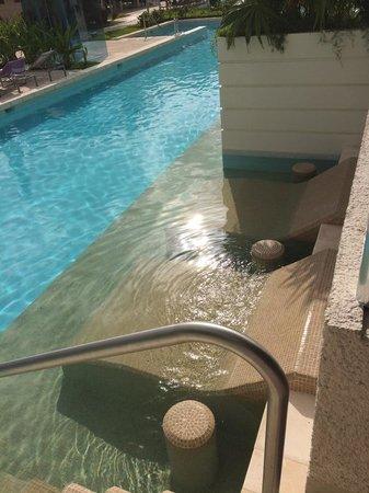 Paradisus Playa del Carmen La Perla: Private swim area from the room's balcony