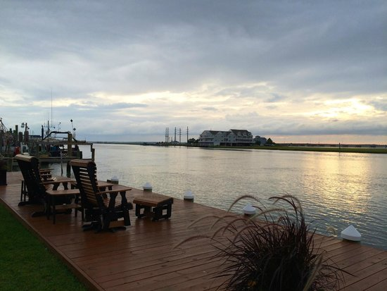 Hampton Inn and Suites Chincoteague-Waterfront: View from boardwalk (nice but there's only a few chairs)