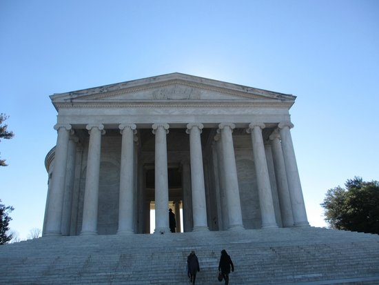 Jefferson Memorial: The steps and the memorial - Jefferson