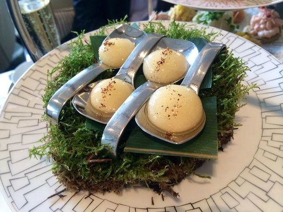 Wellington Lounge: High tea - pear palate cleanser