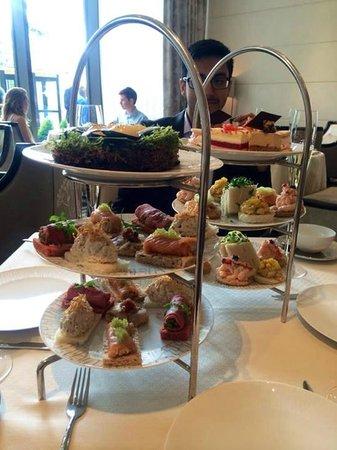 Wellington Lounge: High tea - sandwich towers