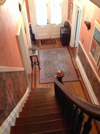 Chesley Road Bed and Breakfast: Stairway