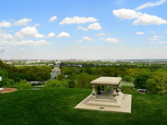 Arlington House - The Robert E. Lee Memorial: View of DC from the House