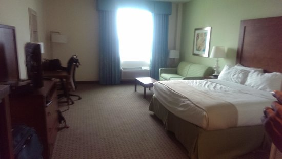 Holiday Inn Resort Pensacola Beach : Our King bedroom