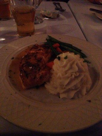 Brendan's Bar & Grill: Great sea bass!!