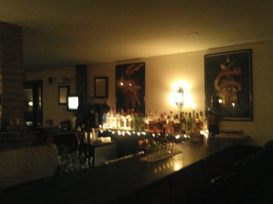 Frankie's Ristorante Italiano: The bar