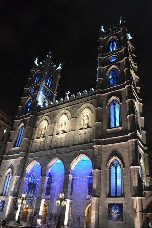 Basilique Notre-Dame de Montréal : At Night