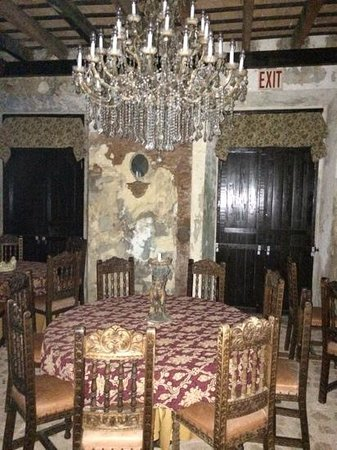 The Gallery Inn : Downstairs dining area