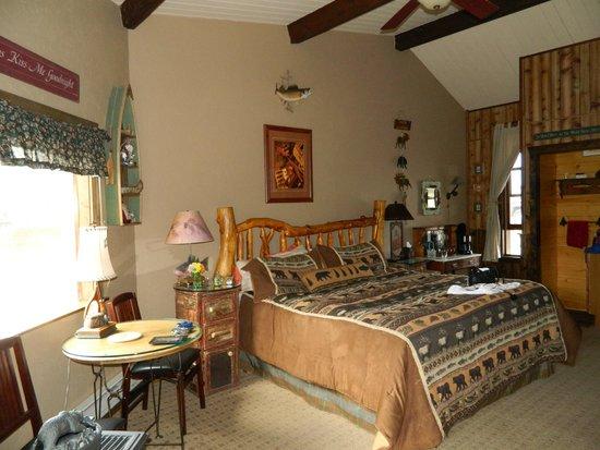 Mountain River Inn Bed & Breakfast : The Gone Fishing Room