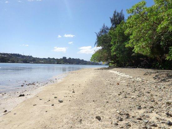 Erakor Island Resort & Spa: Tide out