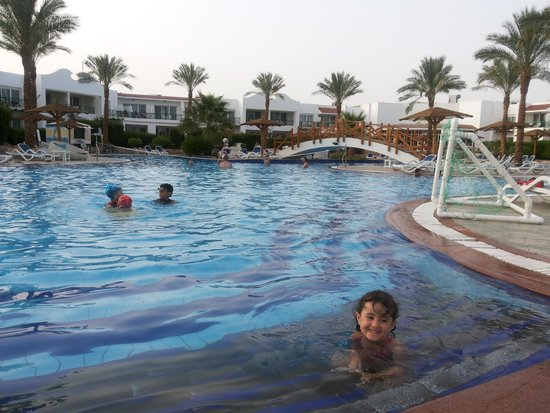 Panorama Naama Heights: hotel pool