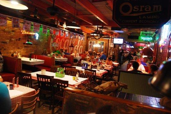 Cody's Original Roadhouse : Cody's restaurant